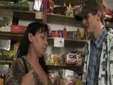 Izgalmas szex a boltban